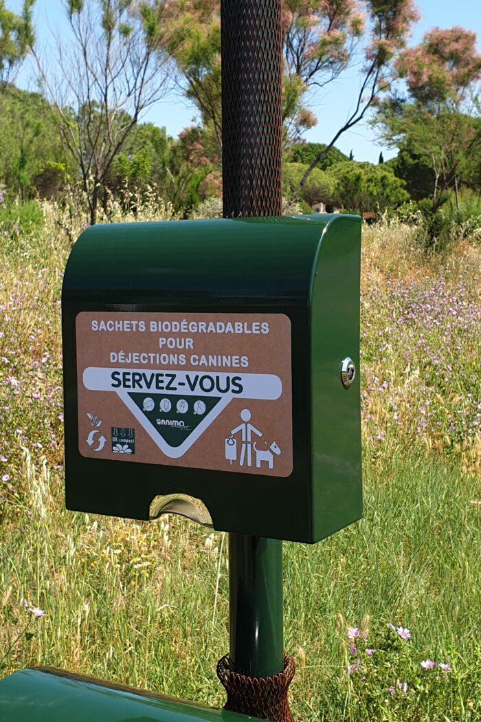 Distributeur de sachets <br>en papier biodégradable <br>(Contenance 150 sacs)